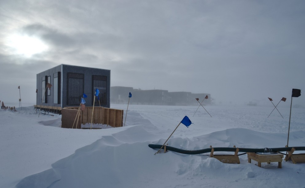 Nechnif a year at south pole windy flight deck publicscrutiny Images